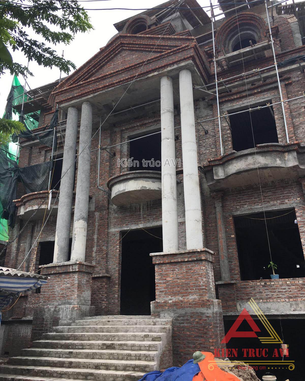 Thi công thực tế mẫu biệt thự 2 tầng cổ điển