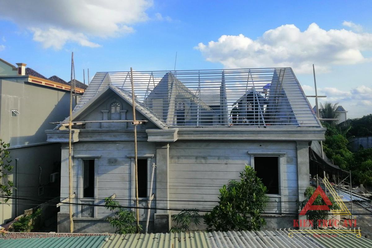 Thi công biệt thự vườn 1 tầng mái thái kiến trúc tân cổ điển